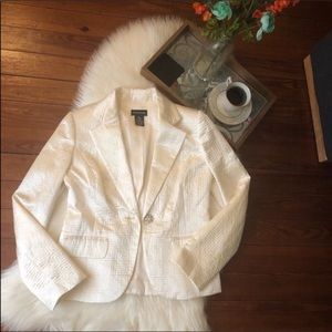 Sutton studio satin ivory blazer 8